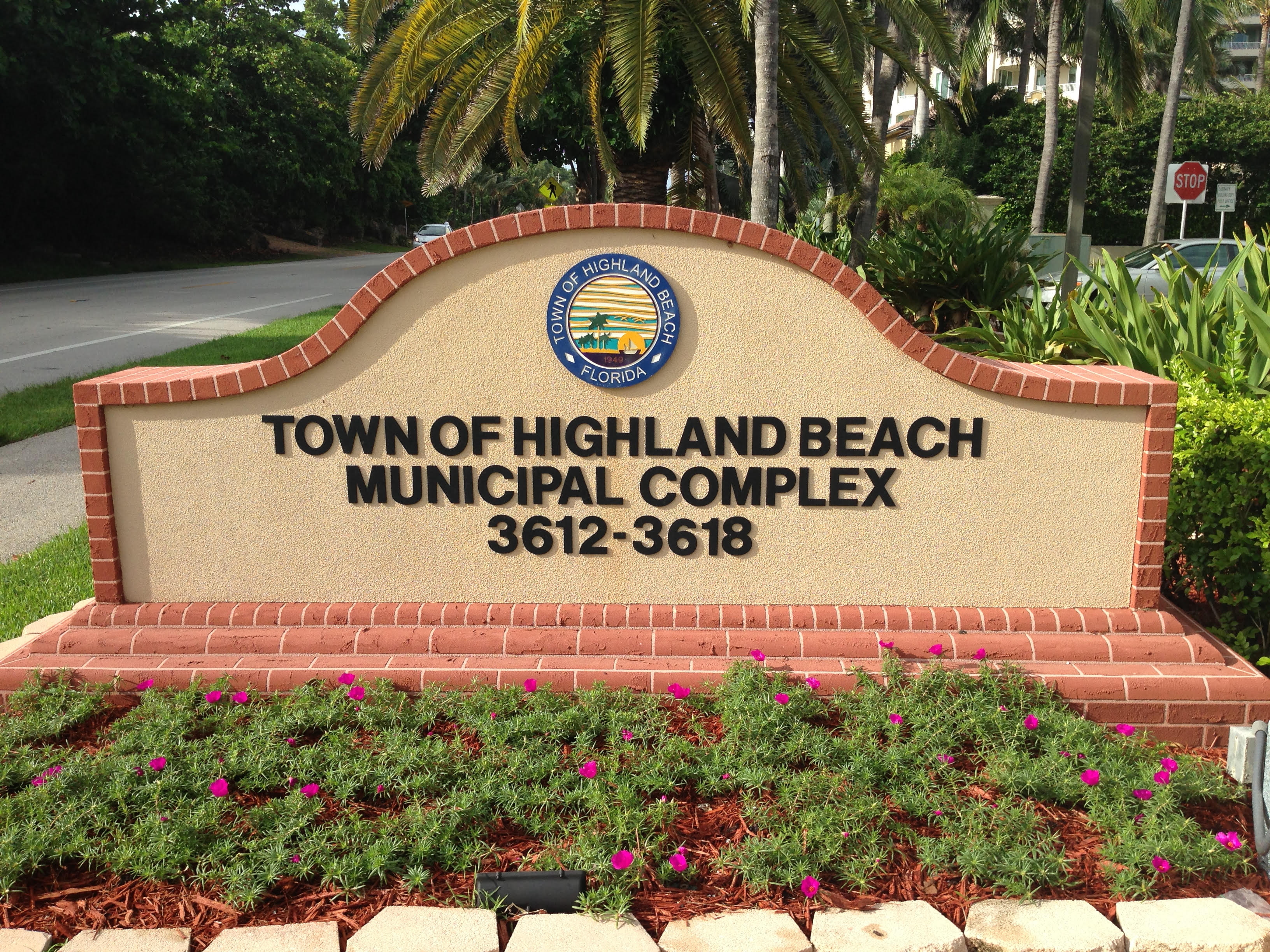 Highland Beach City Building sign